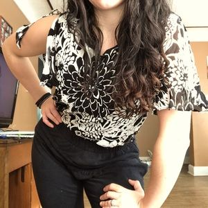 Beautiful vintage style bold floral blouse